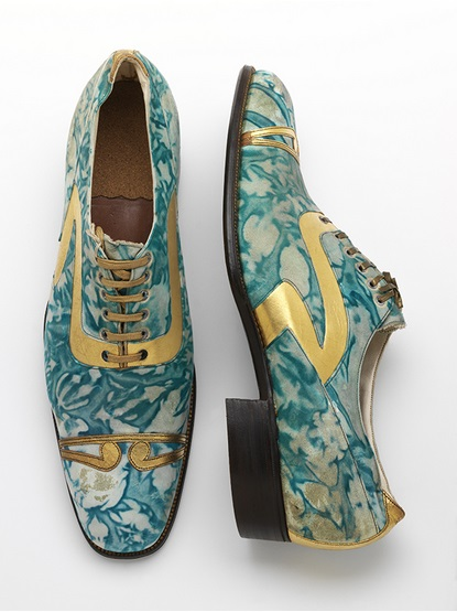 Coxton Shoe Co. Ltd (active in early 20th century), Men's shoes Gilded and marbled leather Northamptonshire, England, c.1925 V&A: T.52:1+2—1996 © Victoria and Albert Museum, London
