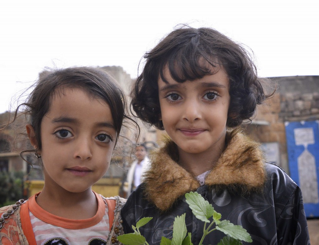 Flickr - Sisters, Yemen - Rod Waddington