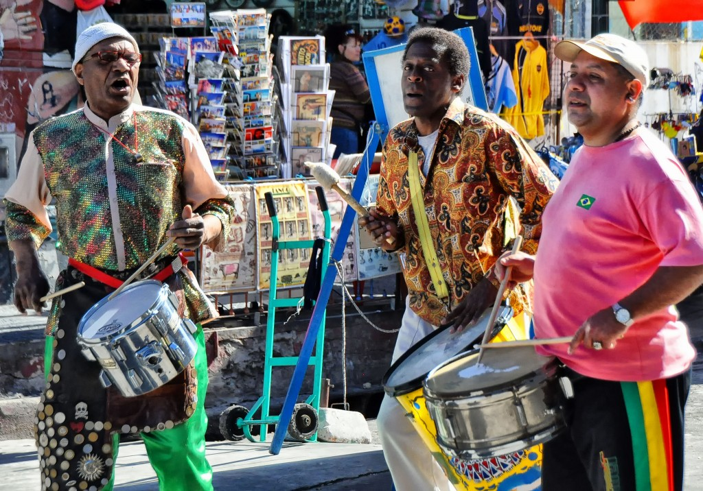 Flickr - Street Drummers, La Boca - Rod Waddington