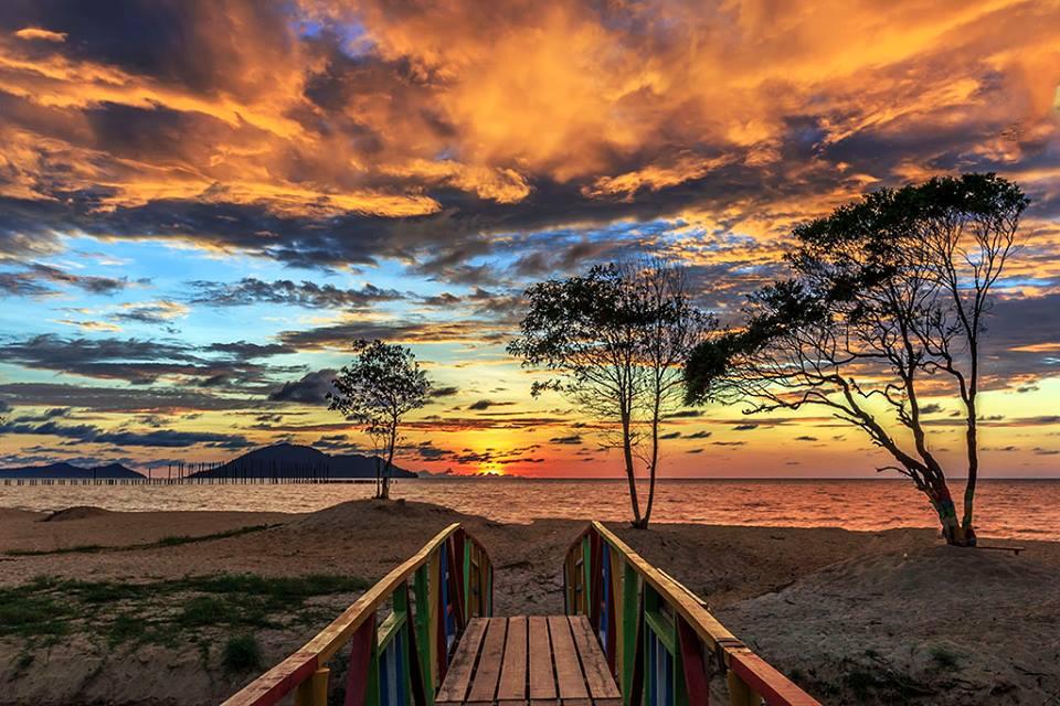 Pantai Omong2