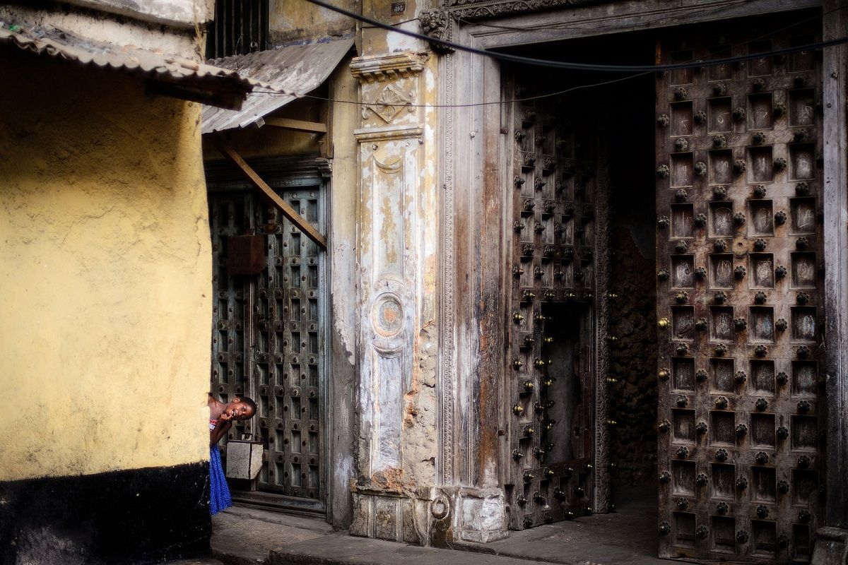 Flickr - Playing hide and seek in Stonetown - Christiane Birr