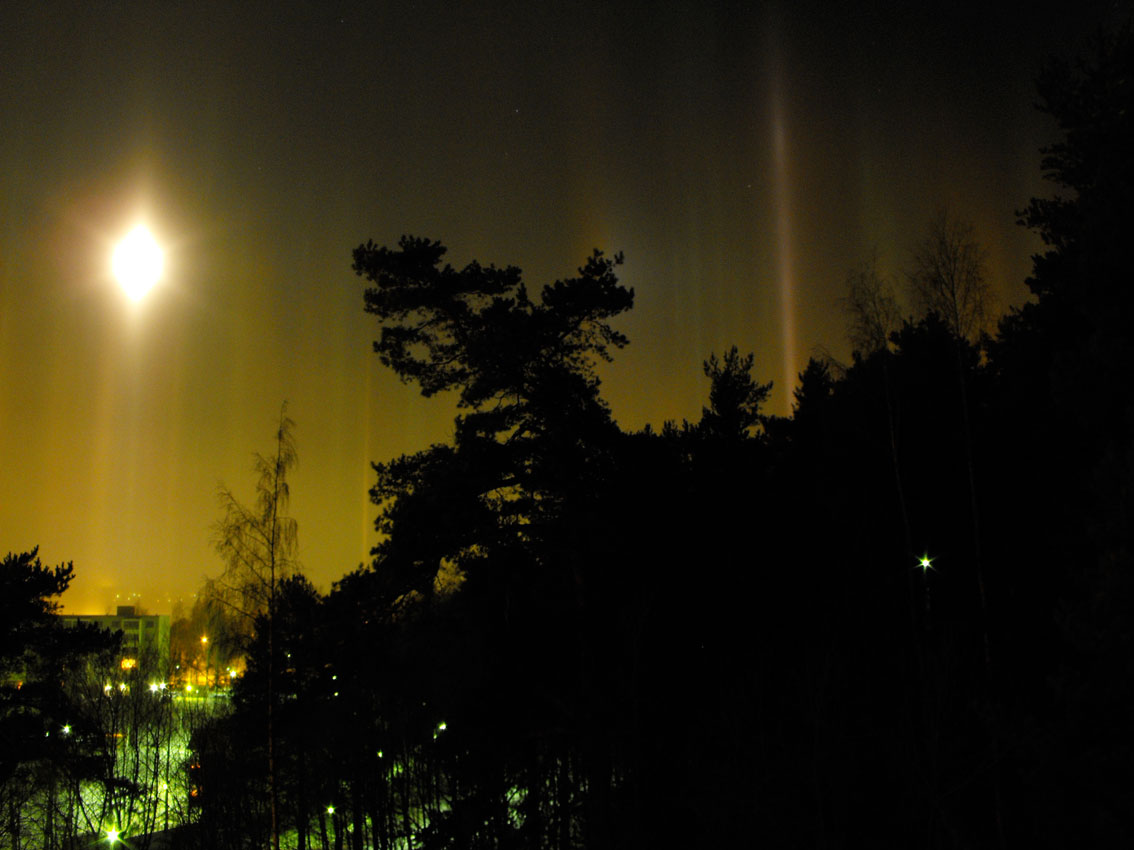 Flickr - Light Pillars - Miguel Virkkunen Carvalho